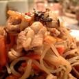 塩昆布で炒めると豚肉もずいぶん美味しくなります。
